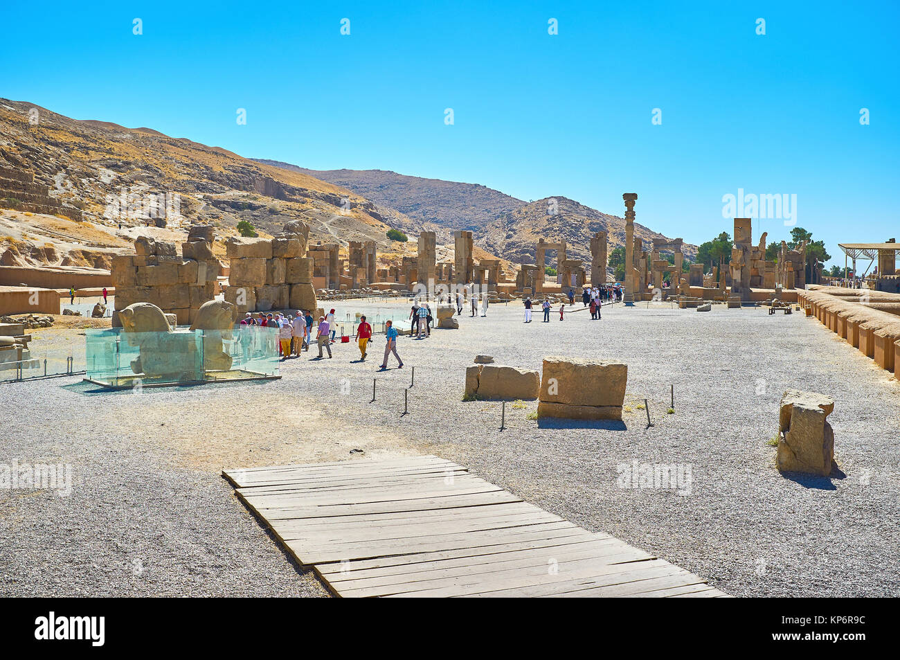PERSEPOLIS, IRAN - OCTOBER 13, 2017: The ruins ancient of Persepolis located at the foot of Rahmet mount (Mountain Stock Photo