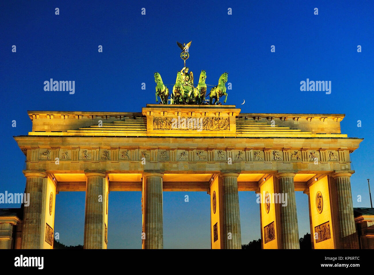 The neoclassical Brandenburger Tor -Brandenburg Gate-, XVIIIth-century, by Carl Gotthard Langhans. Berlin, Germany - Stock Image