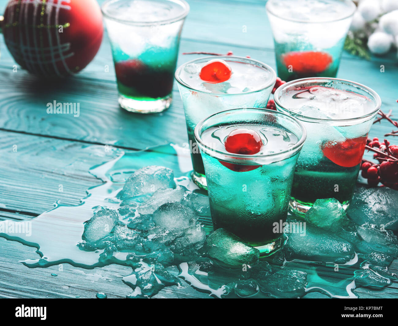 Christmas Alcoholic Drinks.Christmas Holiday Party Green Alcohol Drinks With Cherry