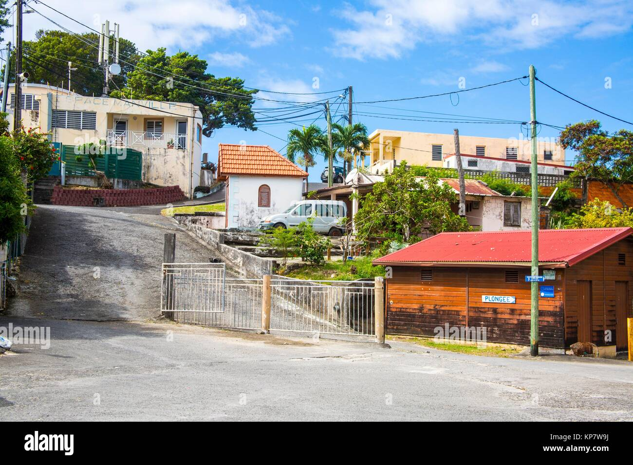Beautiful house in the streets of Sainte Anne, village in the tropical island of Martinique. - Stock Image