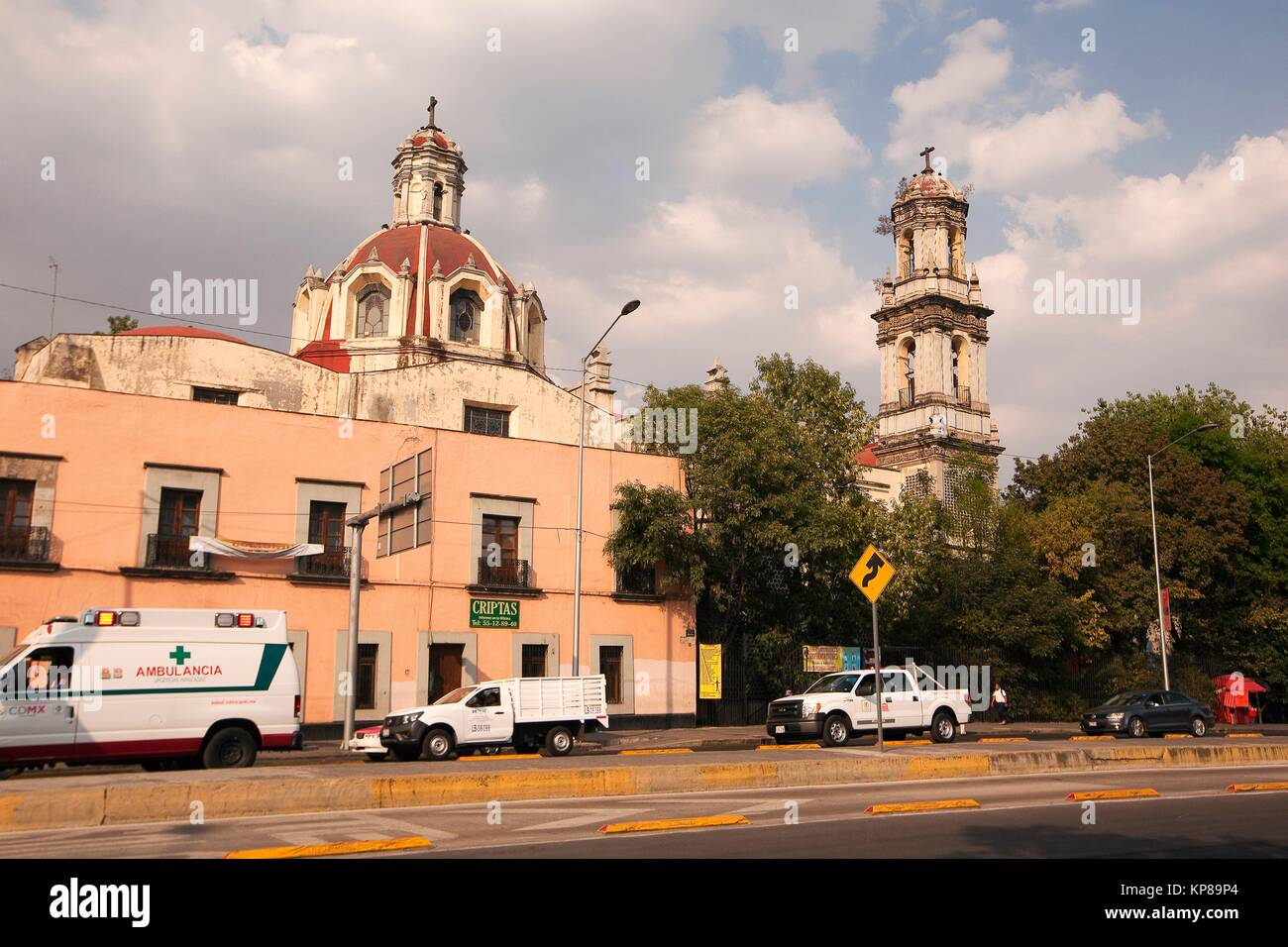View to the Parroquia De La Santa Veracruz in the afternoon light at the city center, Mexico City, Mexico, Central - Stock Image