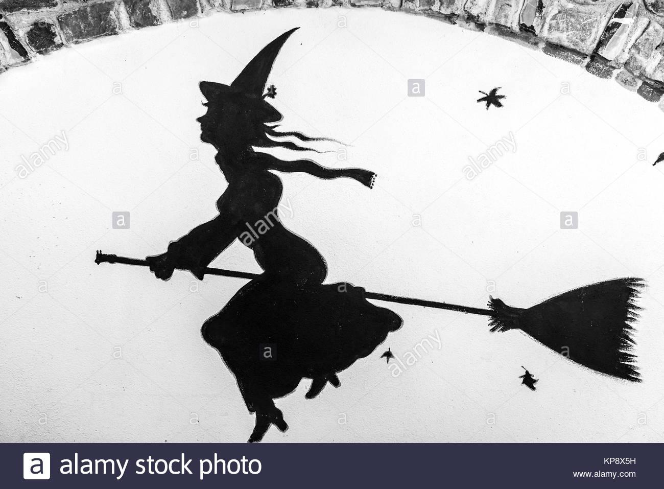 In Triora, dem  Bergdorf der Hexen im ligurischen Hinterland erinnert jede Strasse und jedes Haus an die grausame Stock Photo