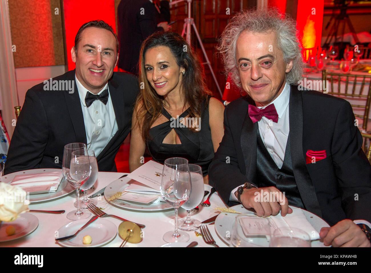 Miami, Estados Unidos. 14th Dec, 2017. The members of the Spanish company Telefonica, Jason Piipo (L), Tania Domínguez - Stock Image
