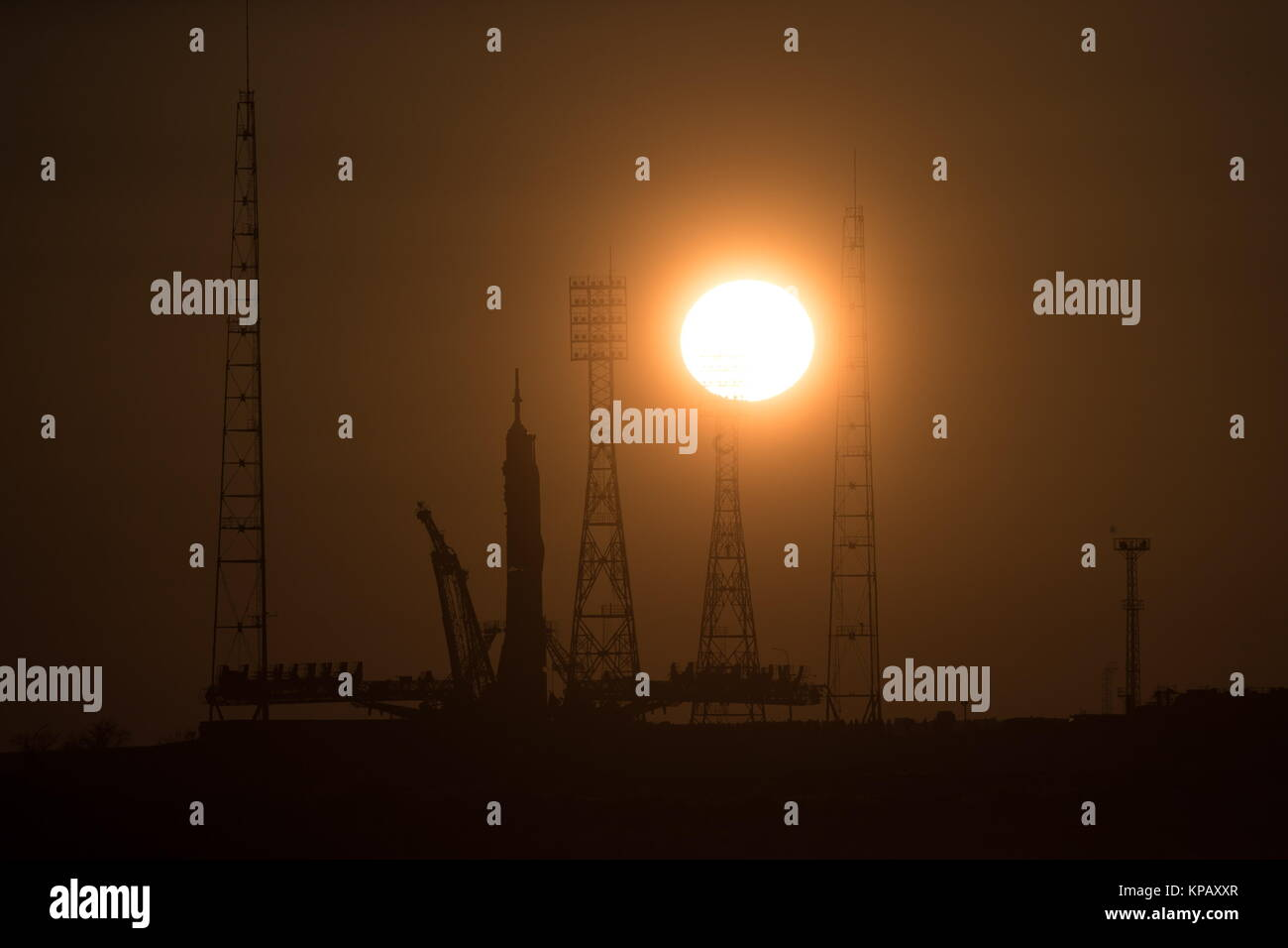 Baikonur, Kazakhstan. 15th Dec, 2017. A Soyuz-FG booster rocket carrying the Soyuz MS-07 spacecraft being transported - Stock Image