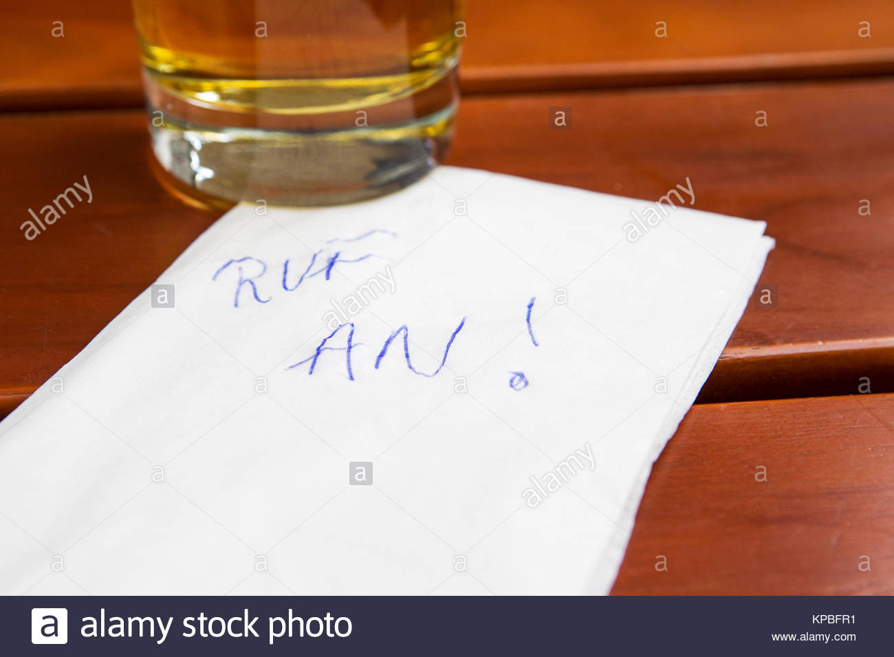 note with german words 'ruf an' (call me) - Stock Image