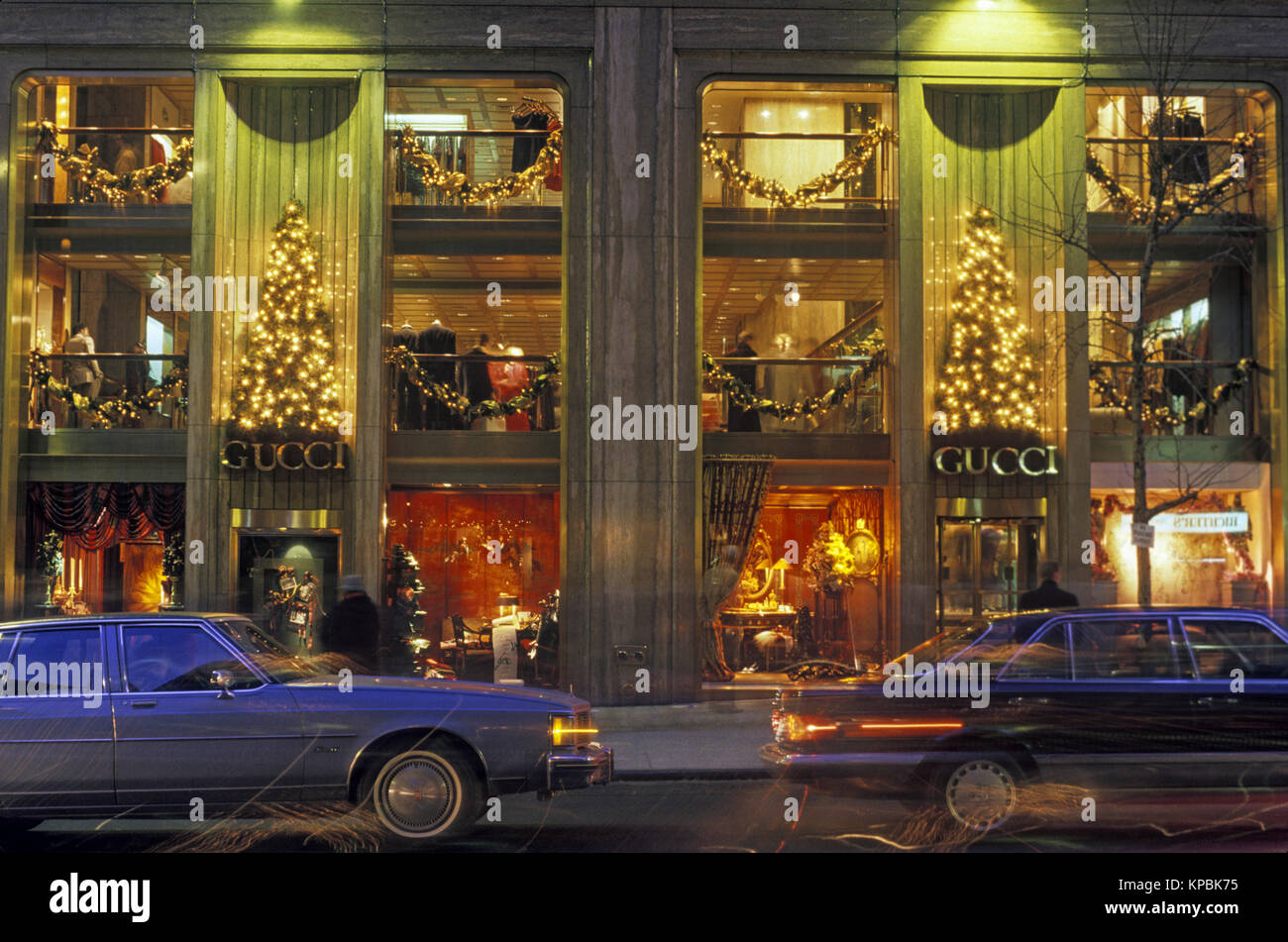 1987 HISTORICAL CHRISTMAS GUCCI SHOP FIFTH AVENUE MANHATTAN NEW YORK CITY USA - Stock Image