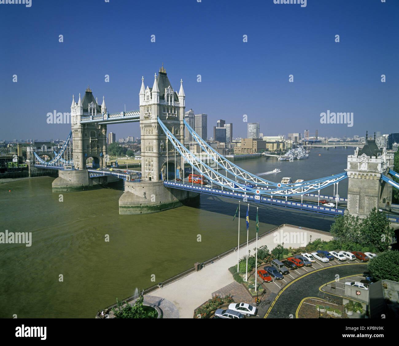 1989 HISTORICAL TOWER BRIDGE RIVER THAMES LONDON ENGLAND UK - Stock Image