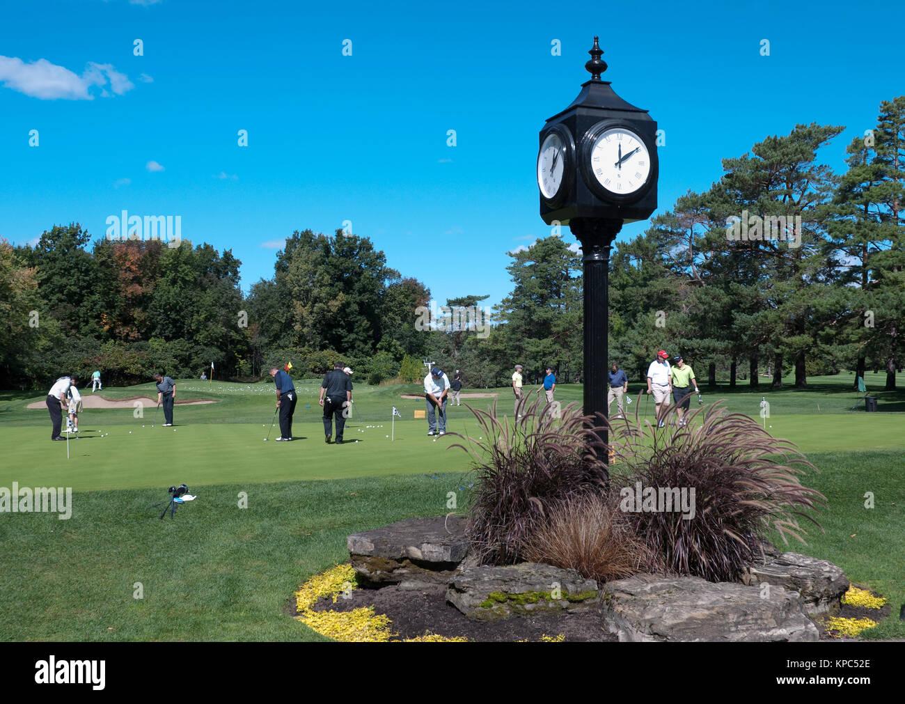 Golf Course Clock Stock Photos \u0026 Golf Course Clock Stock