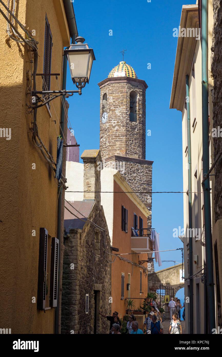Kirchturm der Kathedrale Sant Antonio Abate in der Altstadt von Castelsardo, Provinz Sassari, Sardinien, Italien, - Stock Image