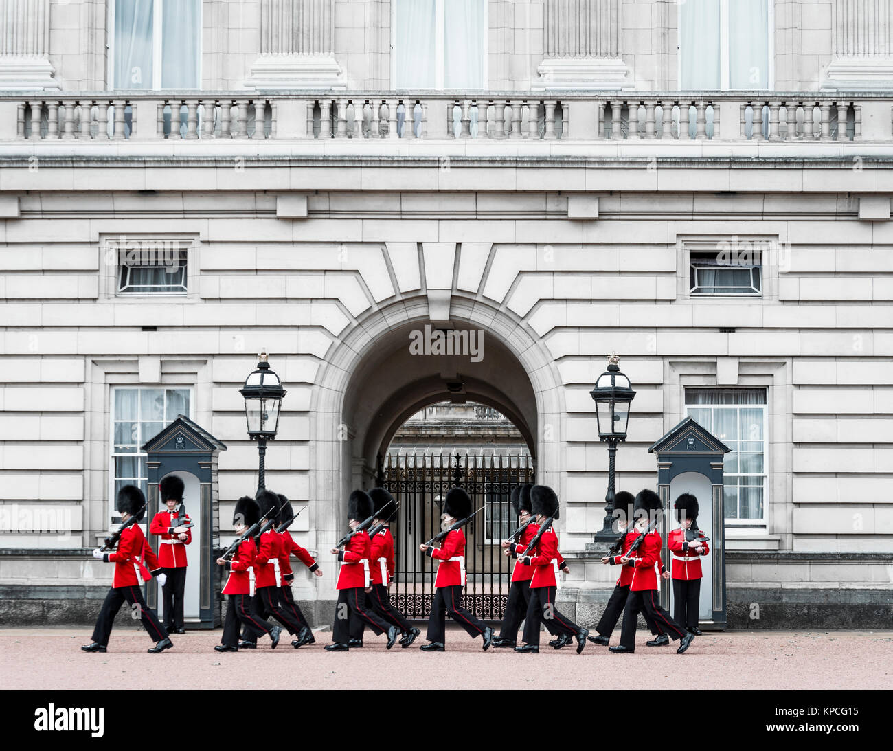 Guardsmen of the Royal Guard with bearskin cap, Changing of the Guard, Traditional Changing, Buckingham Palace, - Stock Image