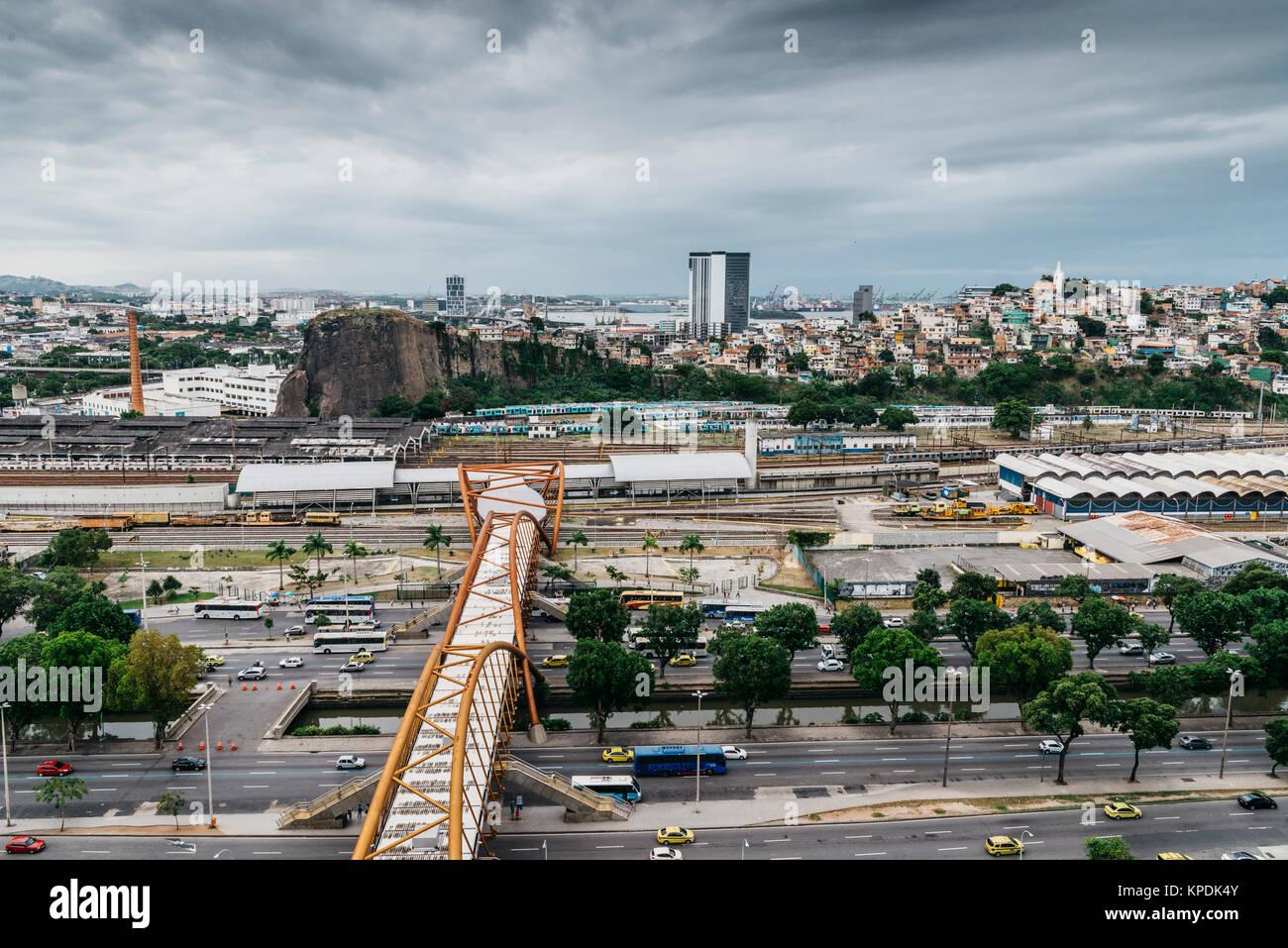 Busy Avenida Presidente Vargas in Downtown Rio de Janeiro, Brazil overlooking Guanabara Bay - Stock Image