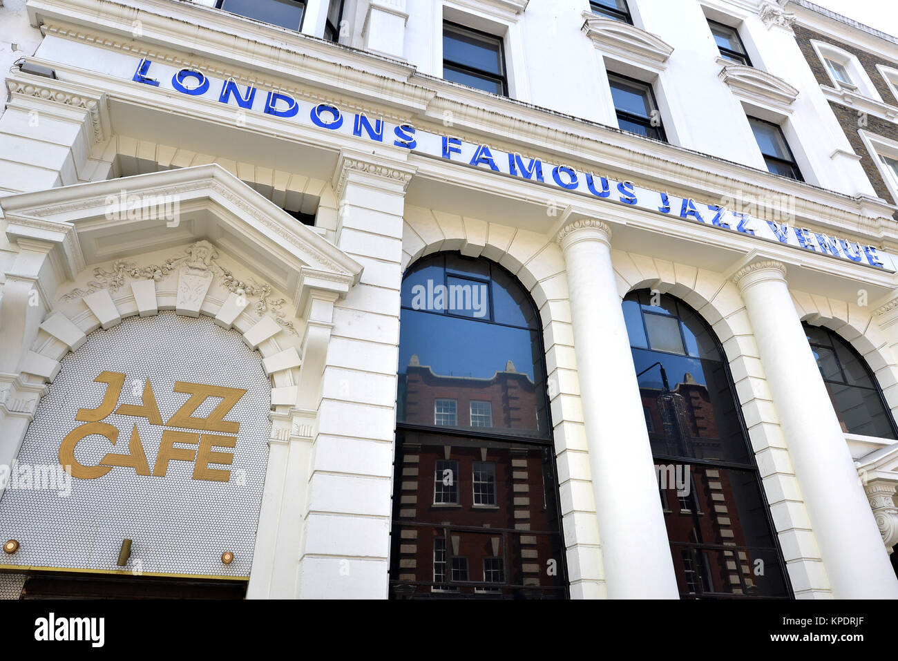 London Live Music Venue Stock Photos & London Live Music Venue Stock ...