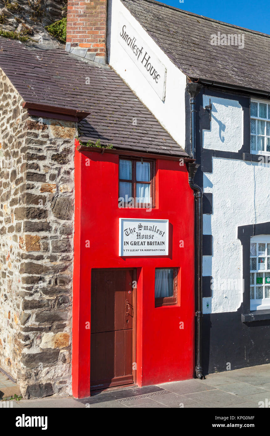 North wales conwy north wales conway north wales  record breaking house is  the red painted  smallest house in Great - Stock Image