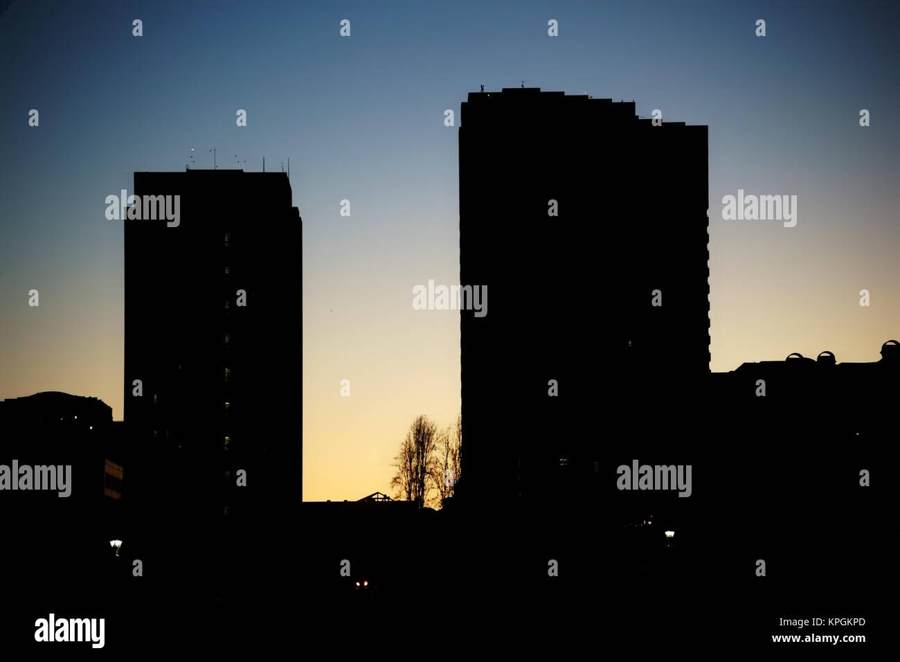 Die Silhouetten von Hochhäusern am frühen Morgen in San Diego. - Stock Image