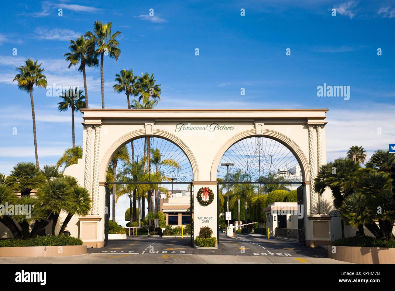 USA, California, Los Angeles. Entrance gate to Paramount Studios on Melrose Avenue. Stock Photo