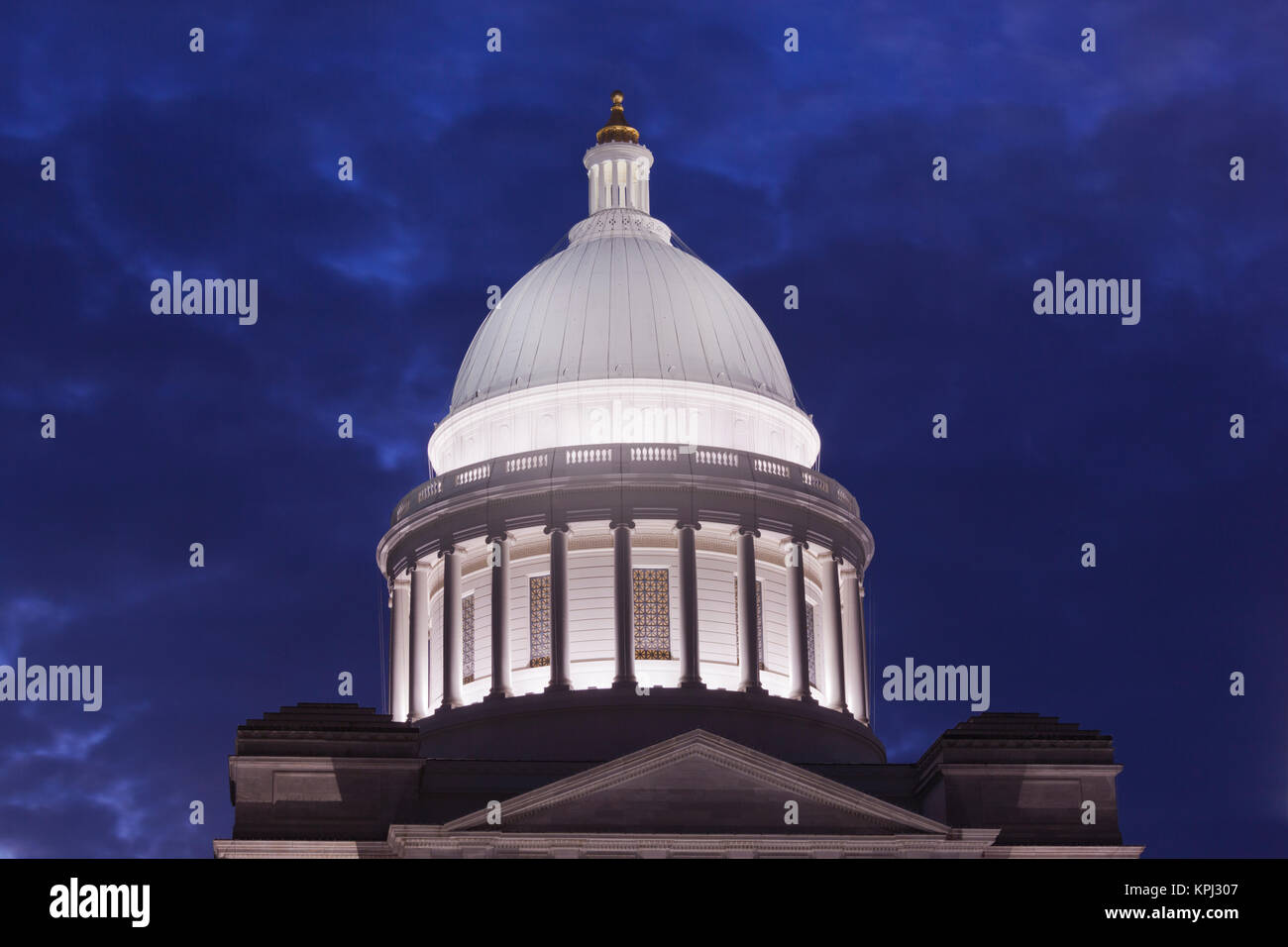 Arkansas state capitol dome stock photos arkansas state capitol usa arkansas little rock arkansas state capitol exterior at dusk stock image malvernweather Gallery