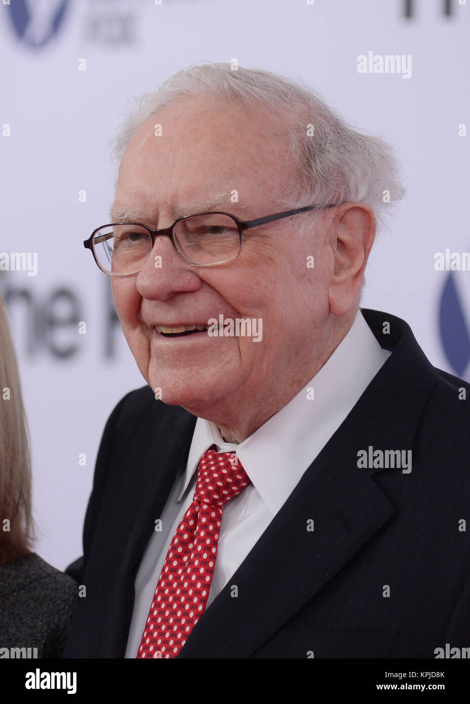 Warren Buffett arrives at 'The Post' Washington, DC Premiere at The Newseum on December 14, 2017 in Washington, - Stock Image