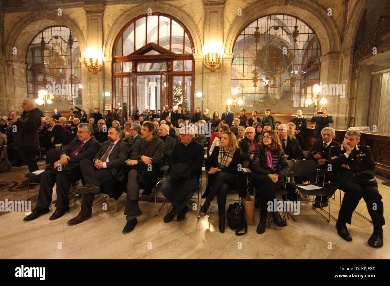 Italia, 15 dicembre 2017. 15th Dec, 2017. Giorgio Napolitano, un Napoli per partecipare al convegno Â«Tra - Stock Image