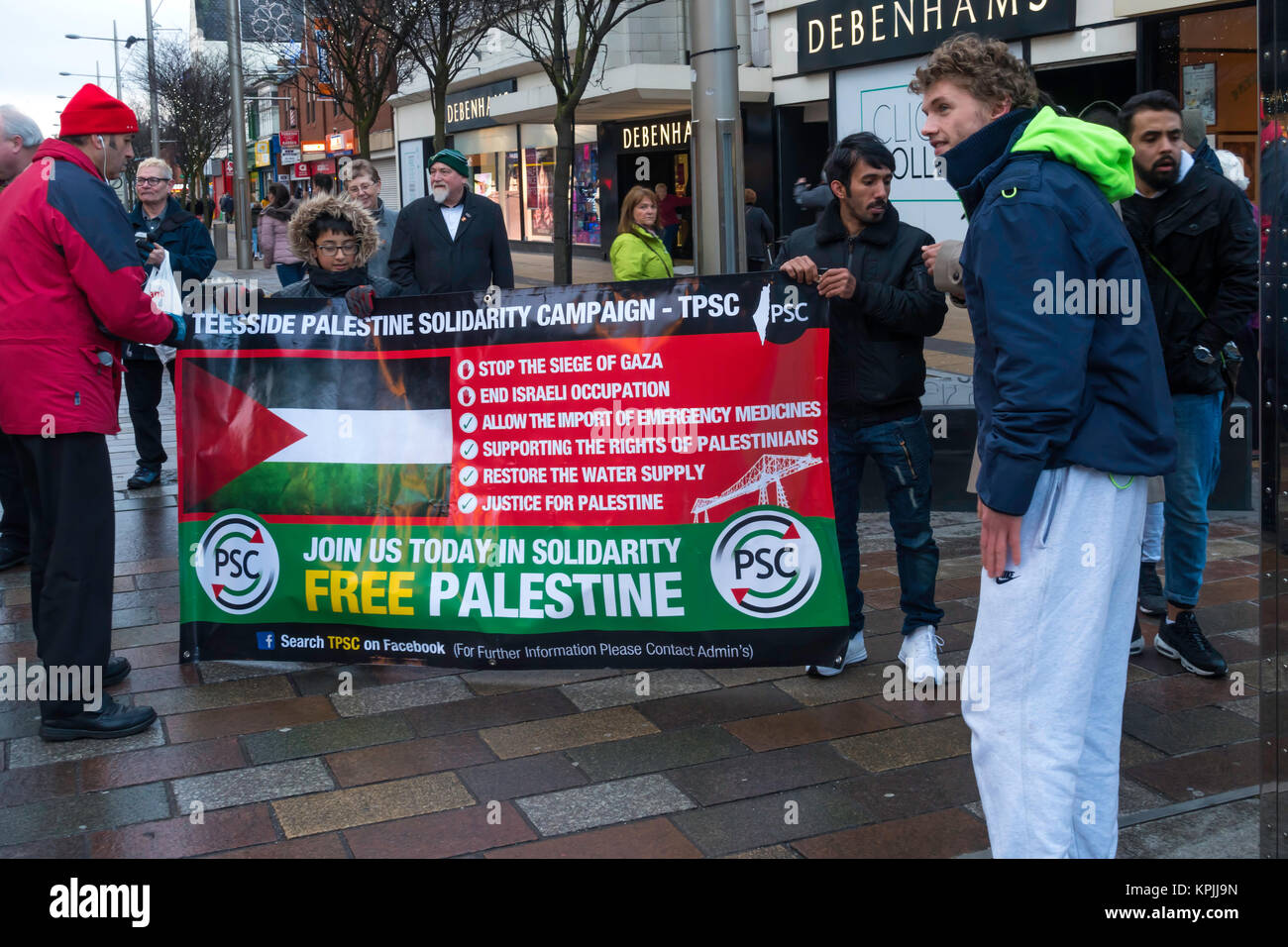 Middlesbrough Cleveland, UK. 16th Dec, 2017. There was a rally today among the busy Christmas shopping crowds in - Stock Image