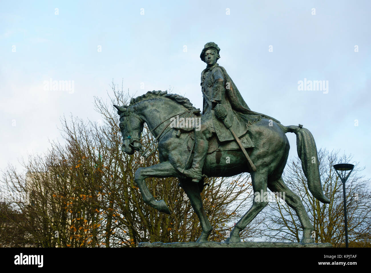 Bronze statue of Bonnie Prince Charlie on horseback in Cathedral Green, Derby, Derbyshire. - Stock Image
