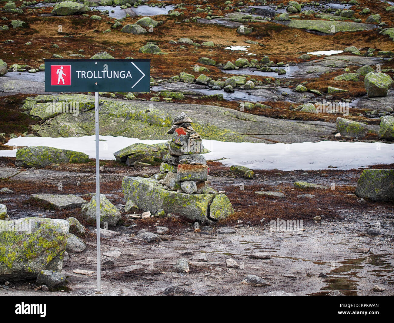 Plate-pointer for the way to Trolltunga (Troll tongue), Norway - Stock Image