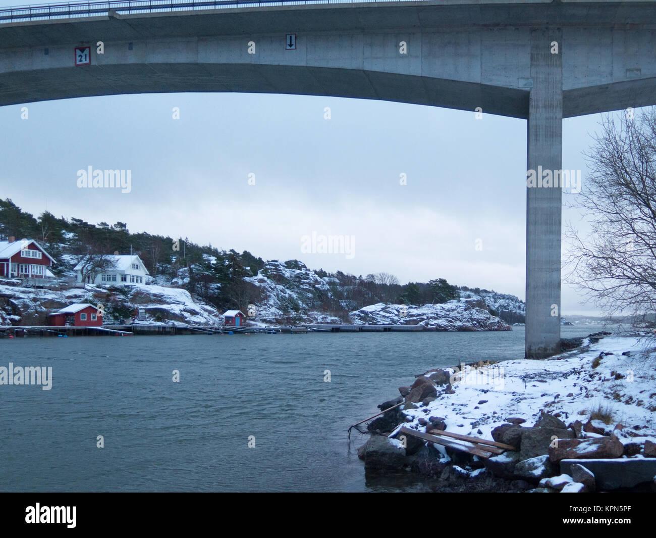 the bridge between orust and tjorn - Stock Image