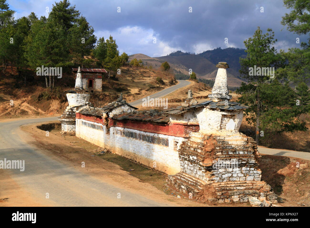 buddhist wall on the road in wangdue phodrang valley,bhutan - Stock Image