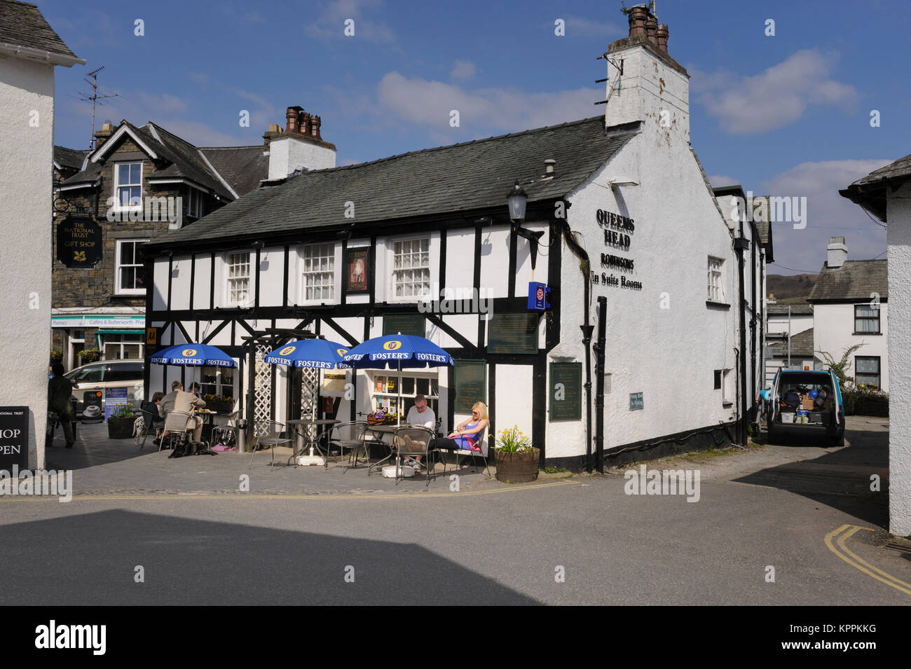 Queens Head Hotel and pub in Hawkshead in the English Lake District Cumbria UK - Stock Image