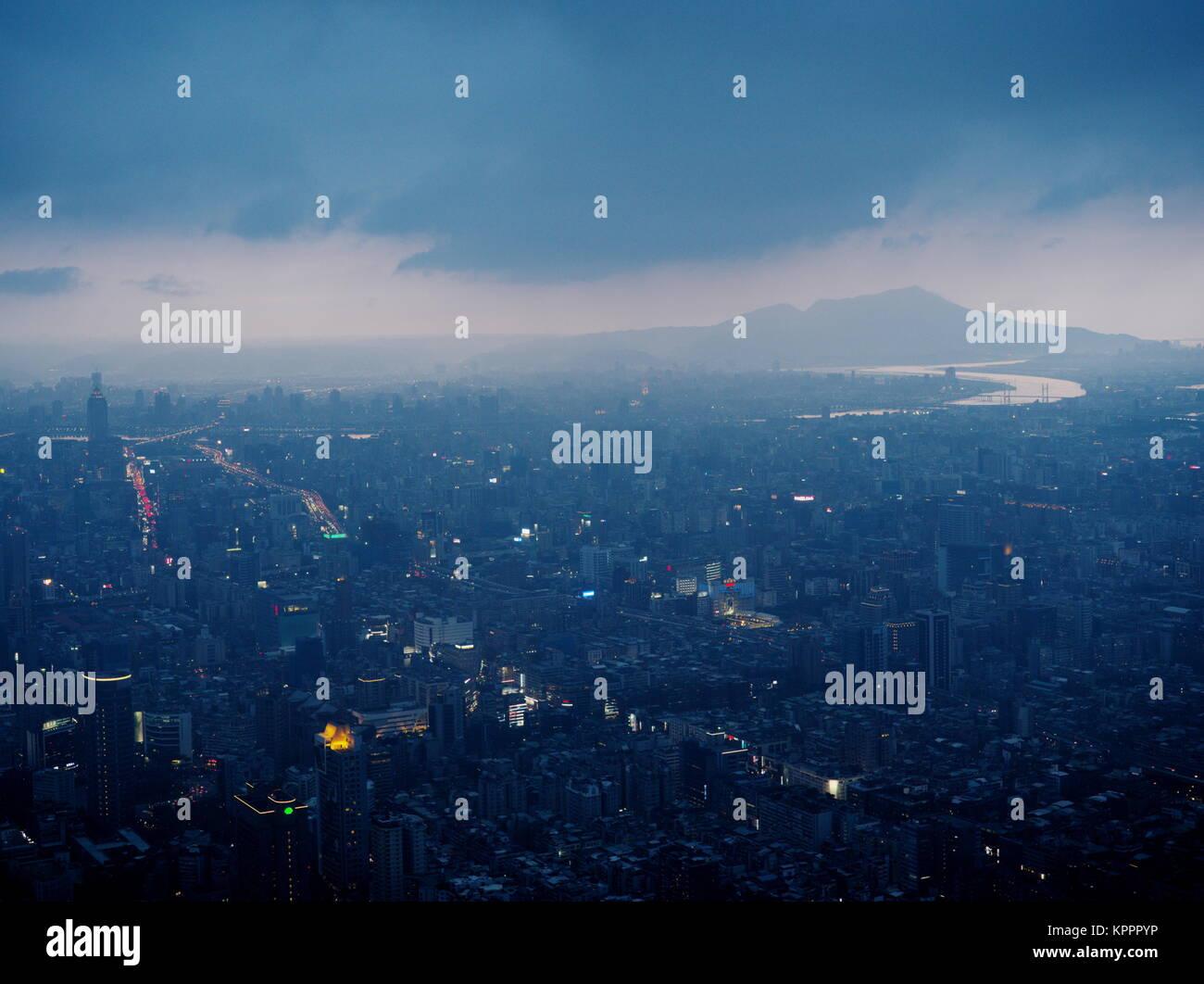 Viewing Taipei's skyline from 101 at dusk, Taiwan - Stock Image