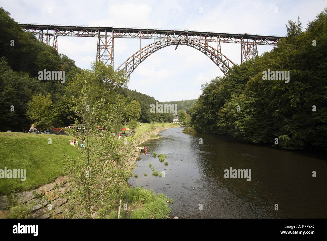 Germany, the Bergisches Land region, the Muengstener bridge near Solingen.  Deutschland, Bergisches Land, die Muengstener - Stock Image