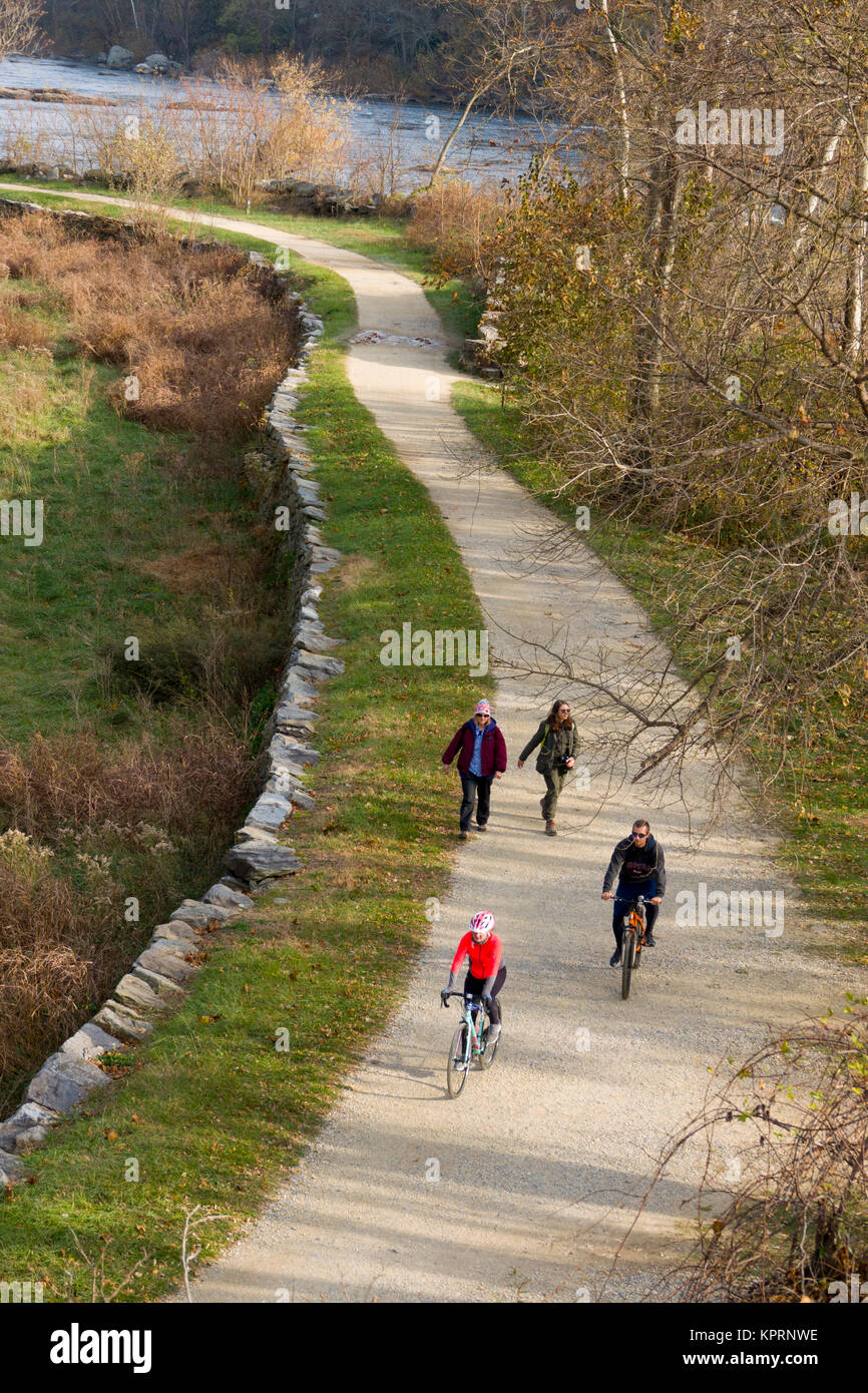 USA Maryland MD C&O Canal towpath along the Potomac River near Harpers Ferry hikers - Stock Image