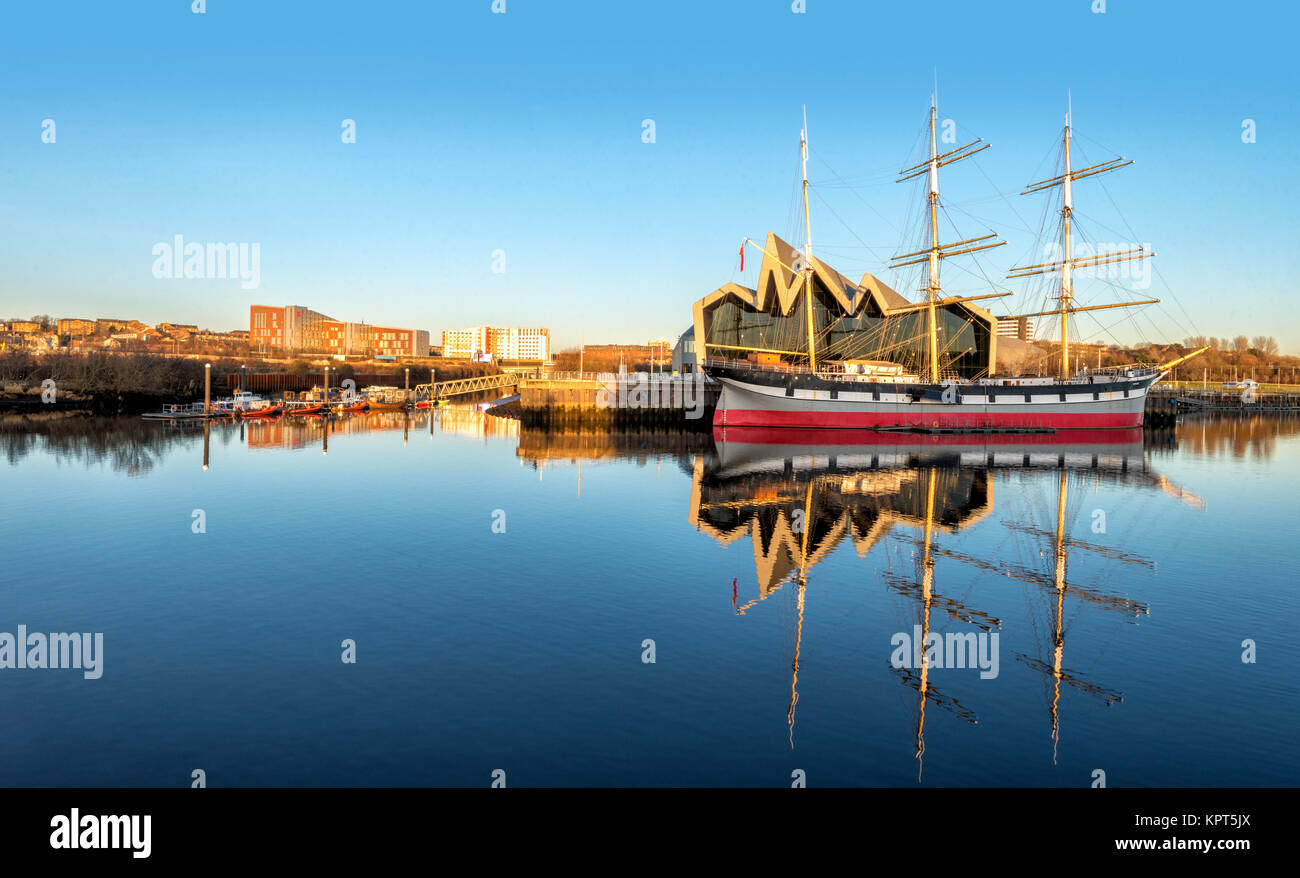 Glasgow Riverside Museum & The Tall Ship (Glenlee) - Stock Image