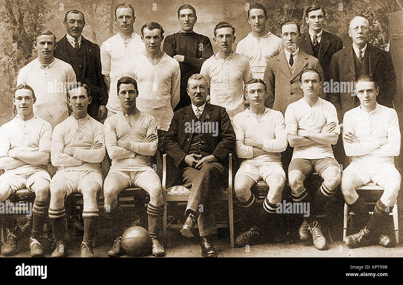 DAVENTRY TOWN FOOTBALL CLUB TEAM (Historic photograph, date unknown)  -English soccer. - Stock Image