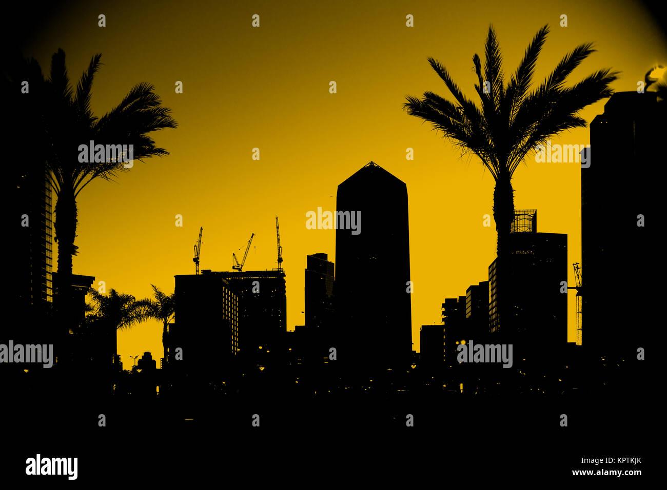 Die Umrisse und Silhouetten von Hochhäusern in der Innenstadt von San Diego. - Stock Image