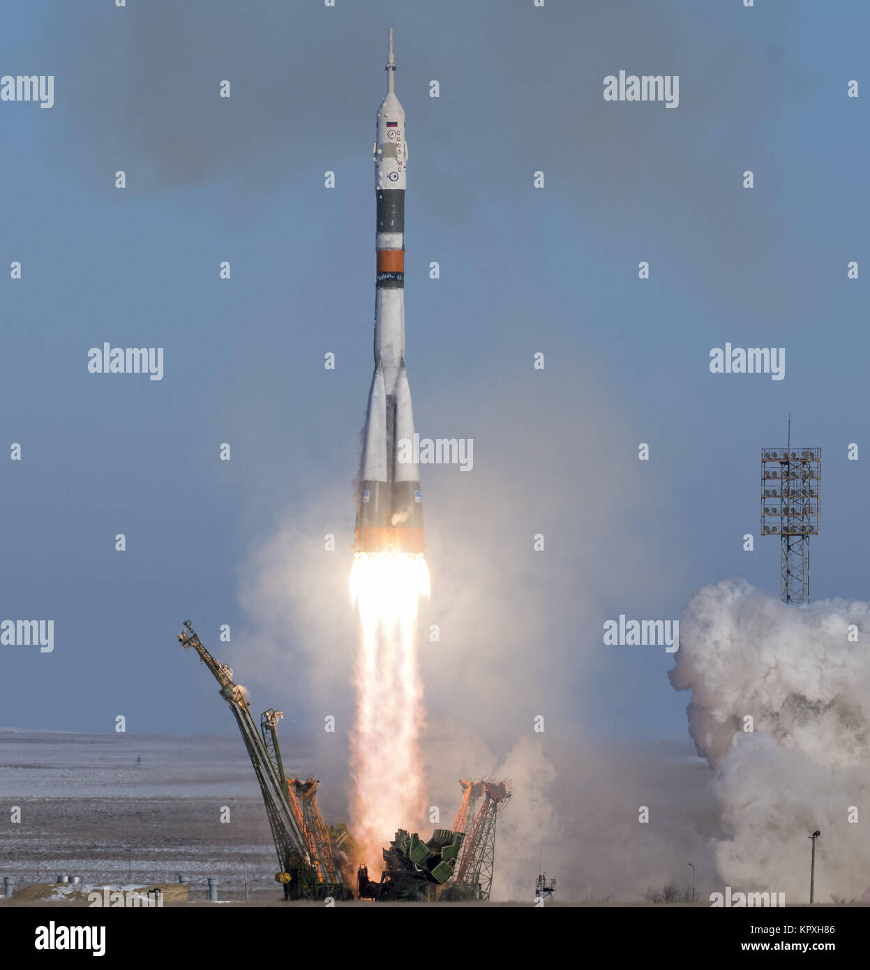 Baikonur, Kazakhstan. 17th Dec, 2017. The Soyuz MS-07 rocket is launched with Expedition 54 Soyuz Commander Anton - Stock Image