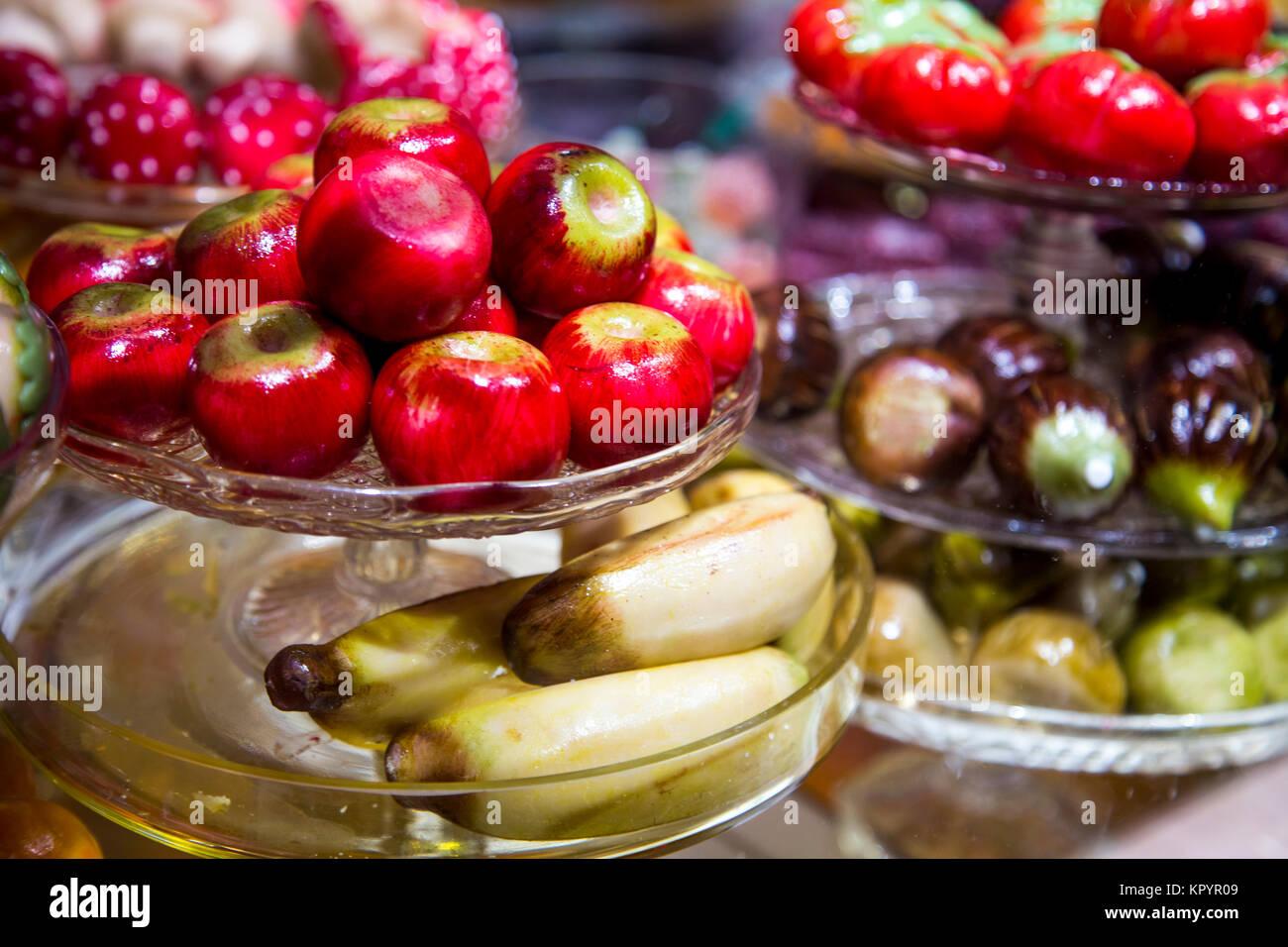 Christmas Shopping News Marzipan-fruit-on-shop-display-fortnum-mason-london-uk-KPYR09