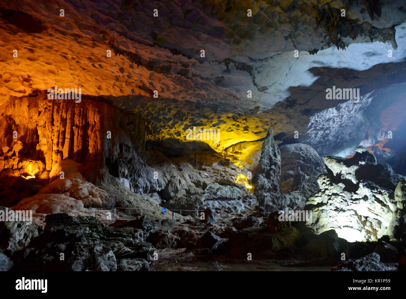 Slope Sung Sot cave, Halong bay, Vietnam, Hang Sung Sot Hoehle, Halong-Bucht - Stock Image
