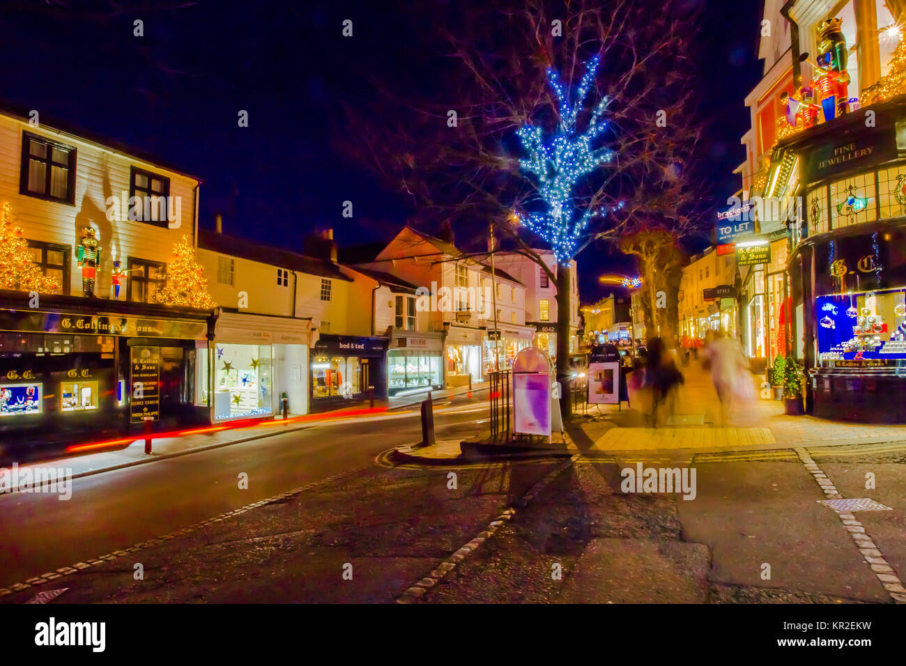 Tunbridge Wells G Collins and Sons Independent Jewellers with Royal Warrant to HM Queen Elizabeth Christmas display Stock Photo