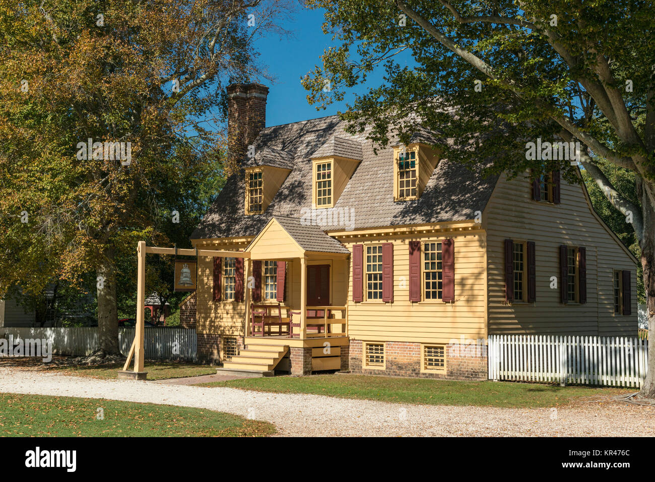 Blue Bell tenement or ordinary in Colonial Williamsburg. - Stock Image