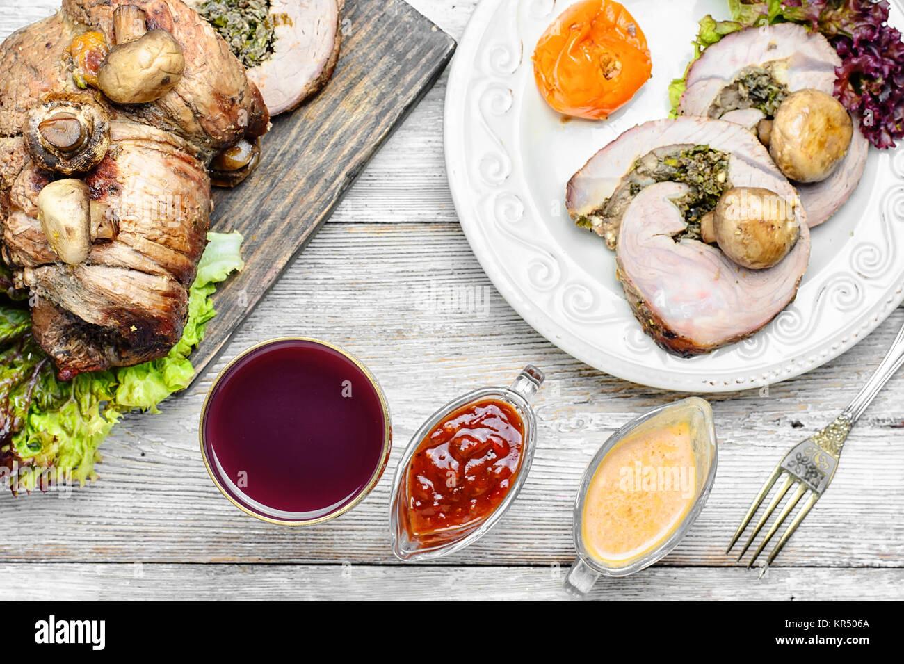 Pork Meatloaf Stock Photos & Pork Meatloaf Stock Images - Page 8 - Alamy