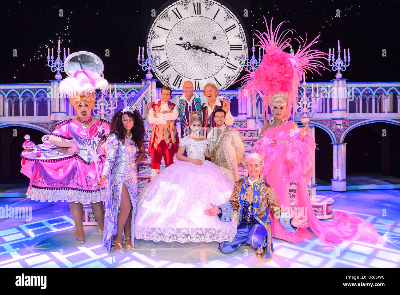 The Birmingham Hippodrome, Birmingham, UK. 18thDecember, 2017. Cinderella cast photocall.Pictured are Cinderella Stock Photo