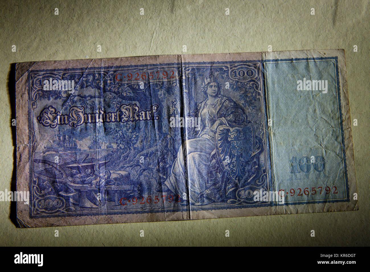 Germany, 100 Mark bank note of the German Reichsbank from 1910. -   Deutschland, 100 Mark Reichsbanknote von 1910, Stock Photo