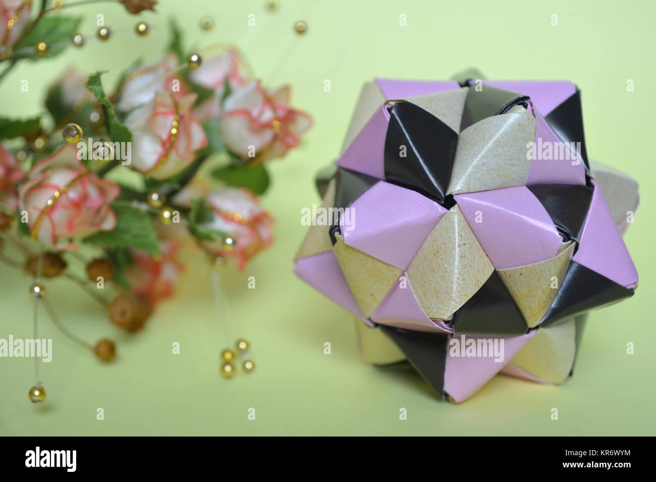 Origami aus 90 Teilen | Sonobe Ball in Regenbogenfarben | Großer ... | 954x1300