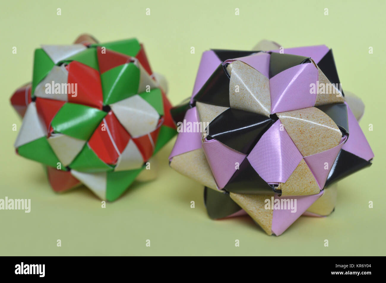 30 Absolutely Beautiful Origami Kusudamas | 954x1300