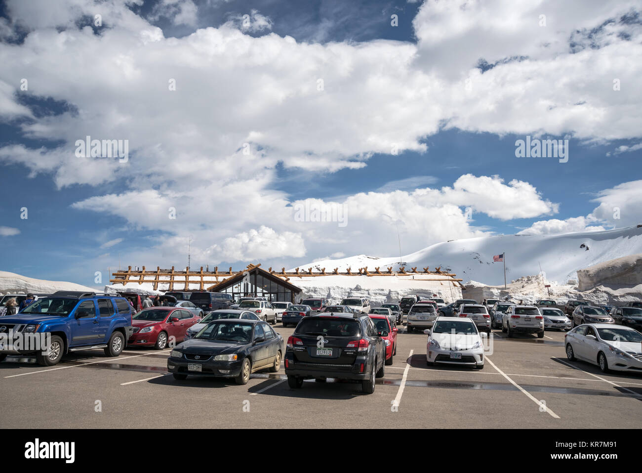 Car parking near Alpine Visitor Center at the top of Trail Ridge Road Rocky Mountain National Park, Colorado, USA, - Stock Image