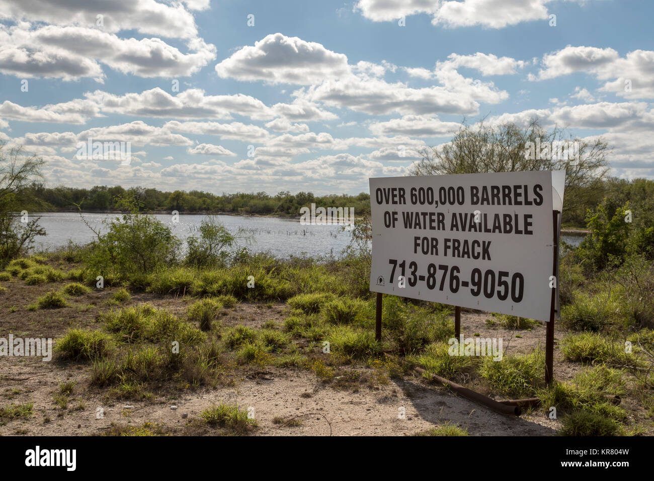 Tilden, Texas - Rancho Tres Hijos offers water for sale for fracking in oilfield operations in the surrounding Eagle - Stock Image