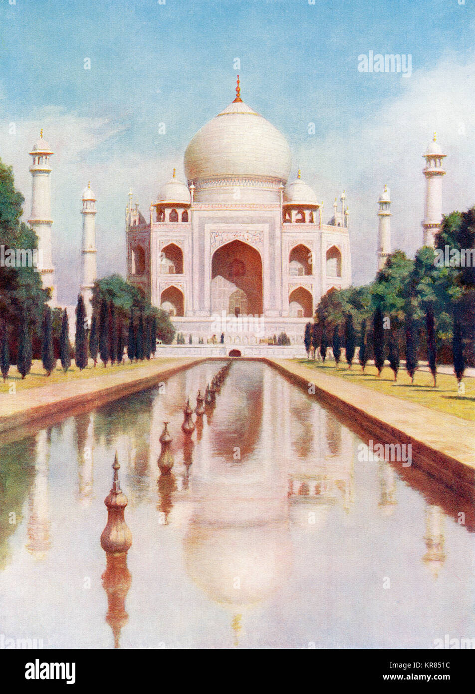 The Taj-Mahal, Agra, Uttar Pradesh, India.  It was commissioned in 1632 by the Mughal emperor, Shah Jahan to house Stock Photo