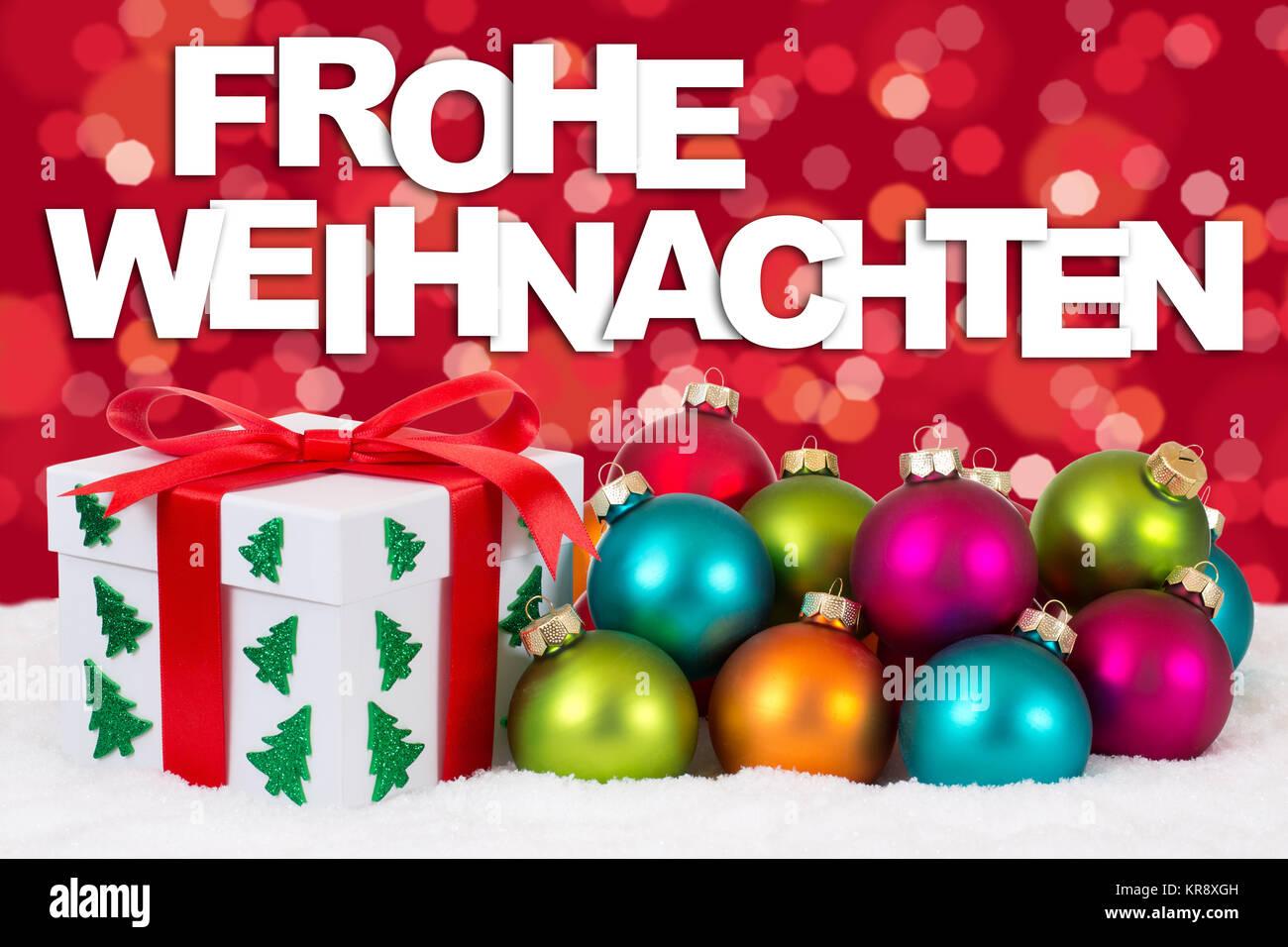 Weihnachtsgeschenke Geschenke.Frohe Weihnachten Weihnachtsgeschenke Geschenke Mit Rot Hintergrund