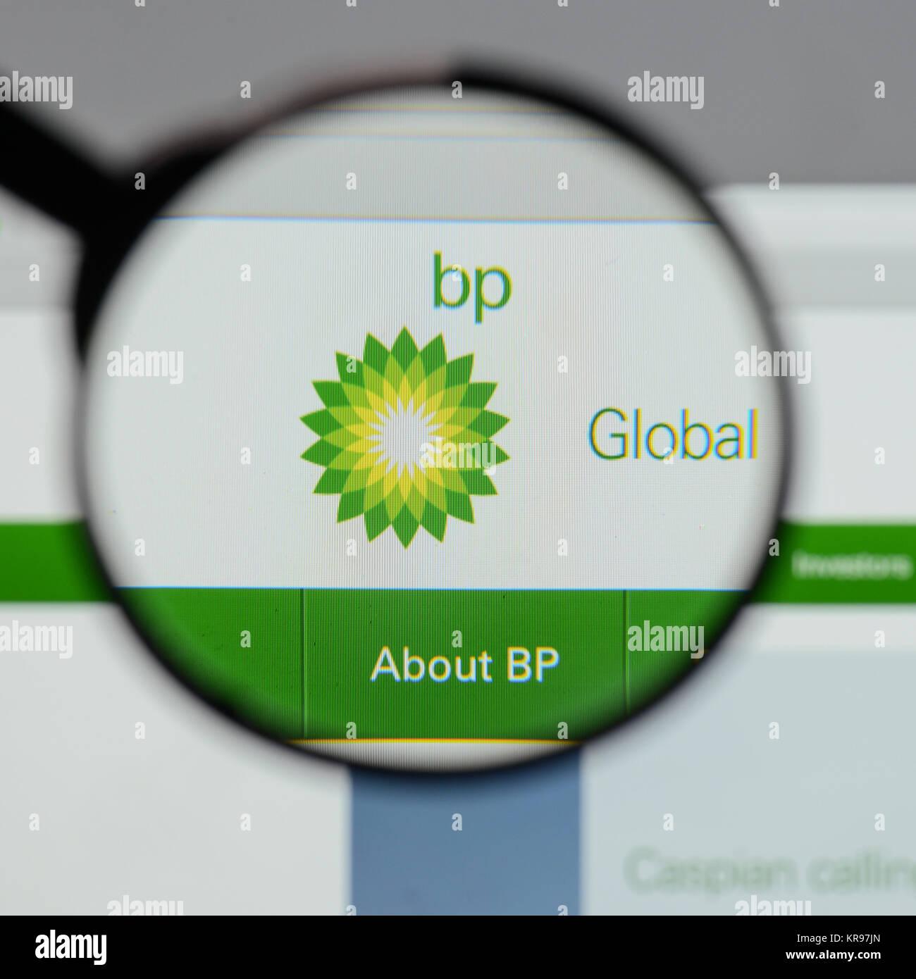 Bp Logo Stock Photos Bp Logo Stock Images Alamy