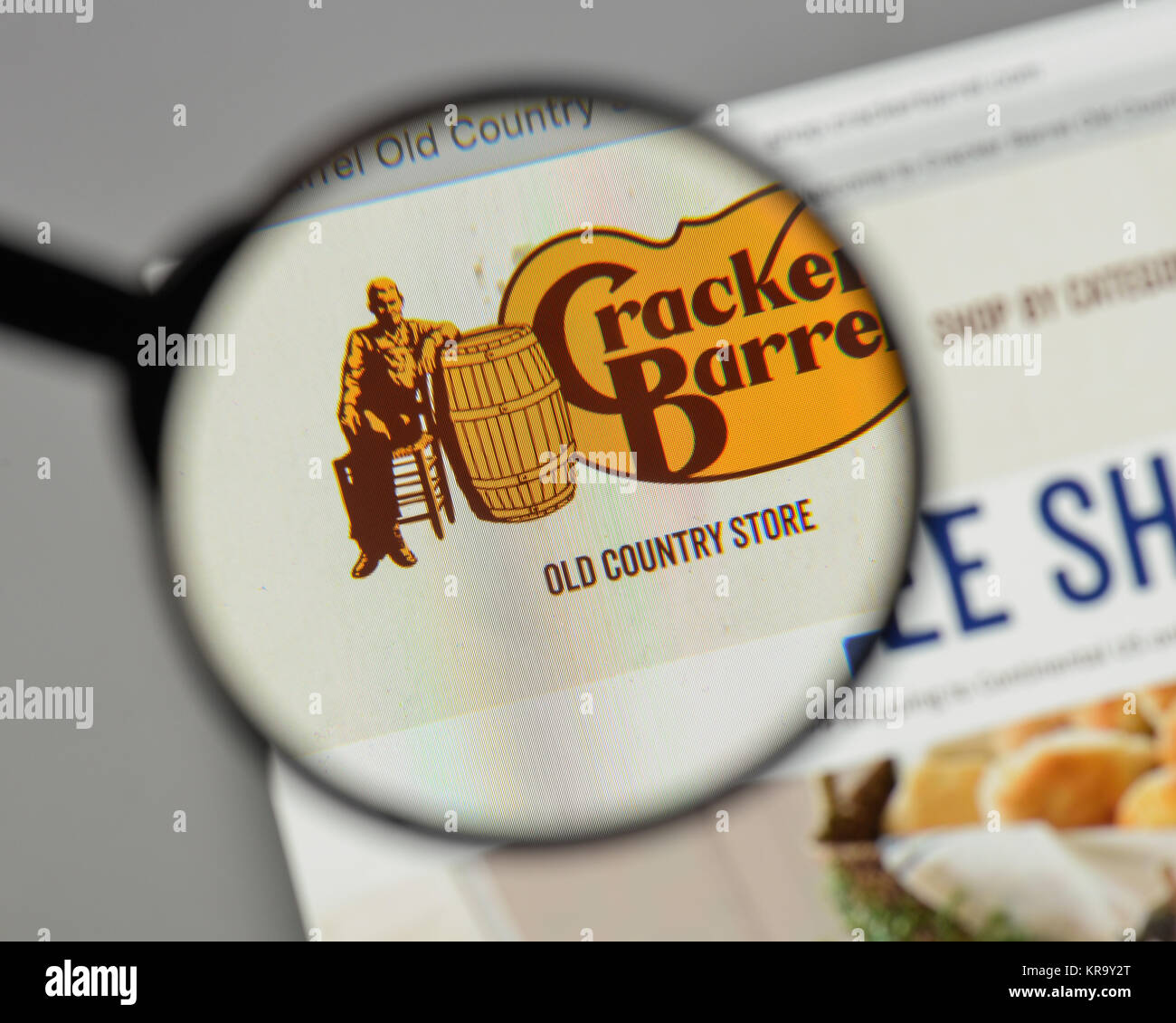 Cracker Barrel Old Country Store Stock Photos & Cracker